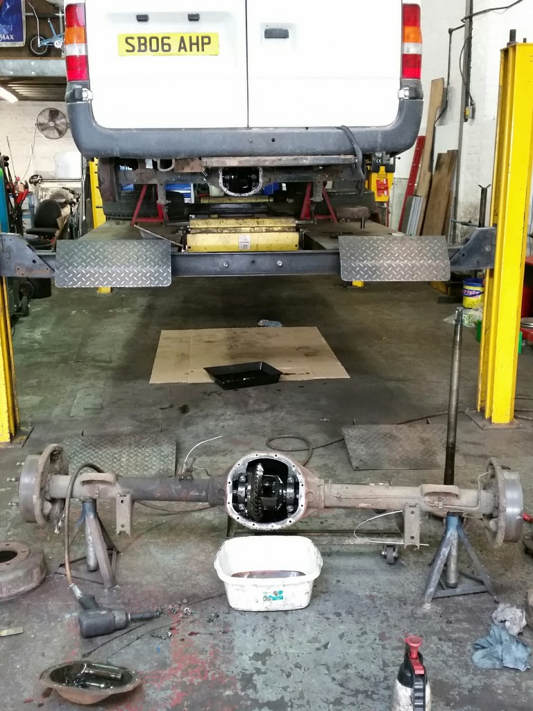Axle replacement on Ford Transit Mk 6