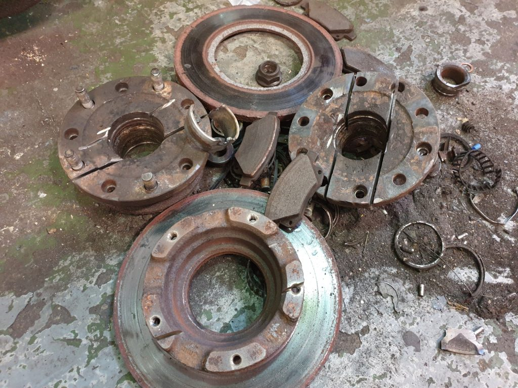 mk7 7 ford transit rear brake discs and wheel bearings